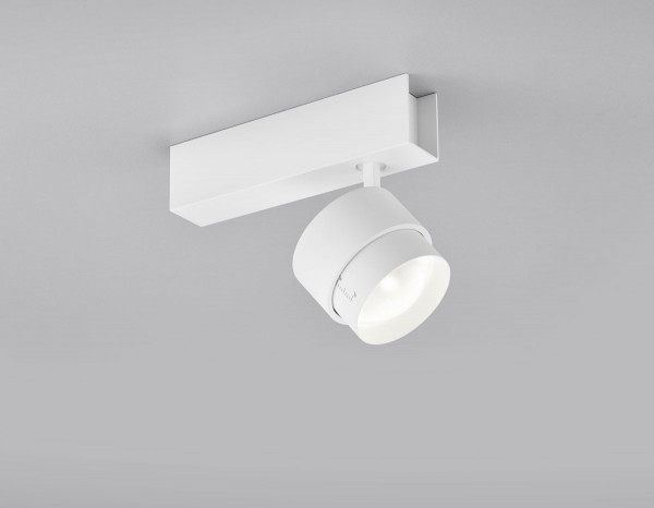 Surface mounted spotlight with adjustable beam angle 15° - 45° optionally in the surfaces white or black for targeted illumination of pictures, plants or objects - here the variant in surface white