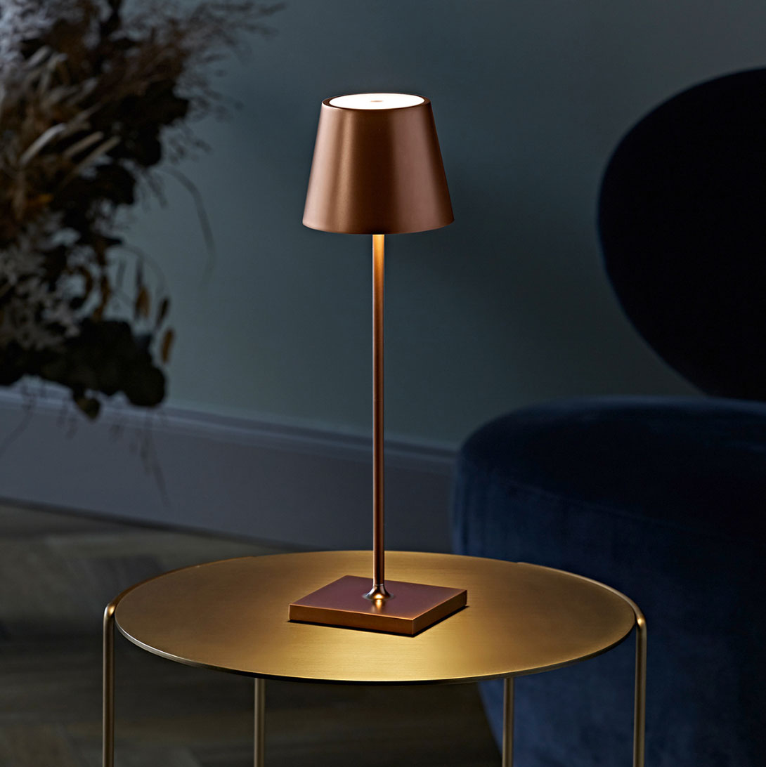 Table lamps with battery