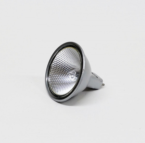 Halogen lamp with silver coating on the outside