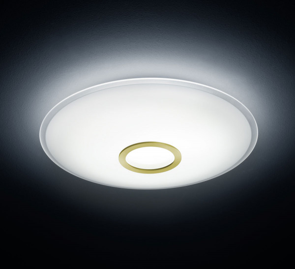 LED ceiling lamp in plate form - here the variant with trim ring in matt brass
