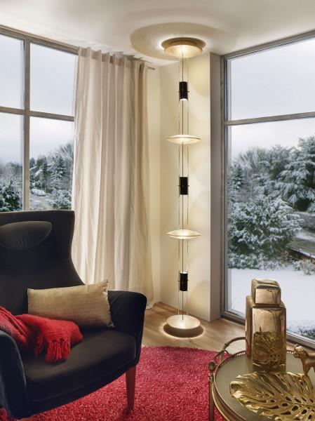 Lichtobjekt BEL-AIR von Oligo - Kundenbeispiel in Oberfläche gold in einem Wohnzimmer