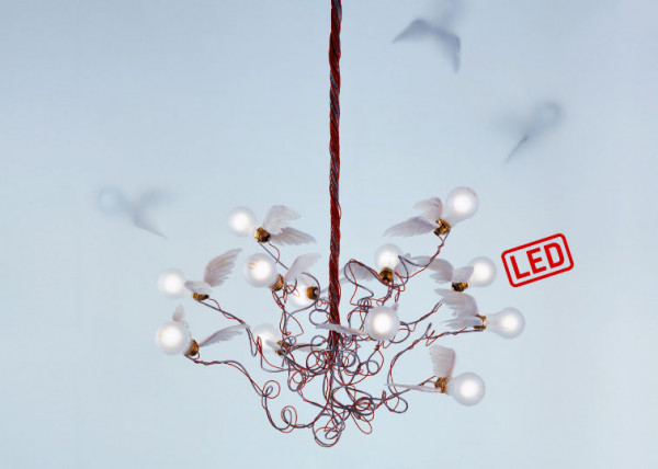 LED ceiling light BIRDIE LED by Ingo Maurer with 12 LED light bulbs surrounded by goose feathers