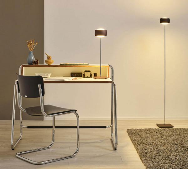 LED-Stehleuchte GRACE von Oligo mit Gestensteuerung - hier die Stehleuchte neben der Tischleuchte