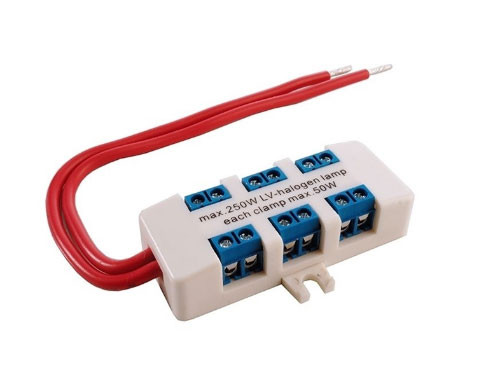 Distribution box for low voltage installations
