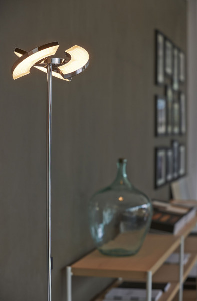 LED floor lamp TRINITY from the OLIGOplus range