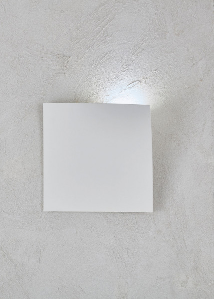 LED wall light GAP from Escale - here the variant in surface white