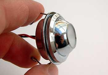 Sehr kleine LED-Wandeinbauleuchte mit 350mA Betriebsstrom und verstellbarer Pupille - hier die Variante in Oberfläche chrom