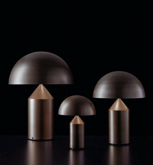 Tischleuchte Atollo von Oluce - hier die drei Varianten aus Metall mit Oberfläche bronze