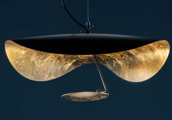 LED pendant lamp LEDERAM MANTA S1 by Catellani & Smith - here the variant ceiling plate outside black, reflector gold leaf, black rod, light source plate gold leaf