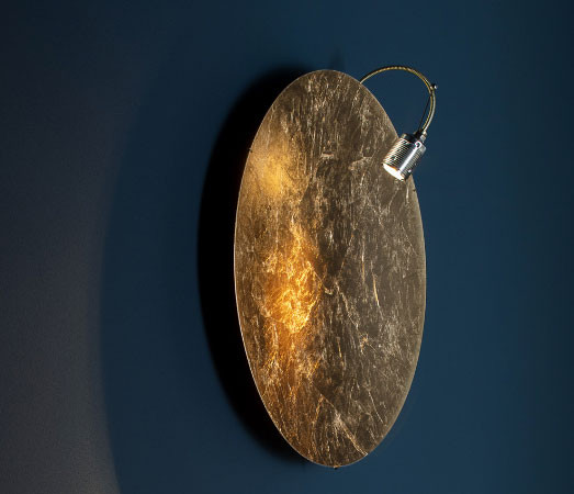 Wall lamp Telchisugio (Telchisugiò) by Catellani & Smith - here the variant coated with gold leaf